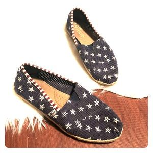 Toms Shoes - Toms Limited Edition Freetown Stars Slip On Shoes
